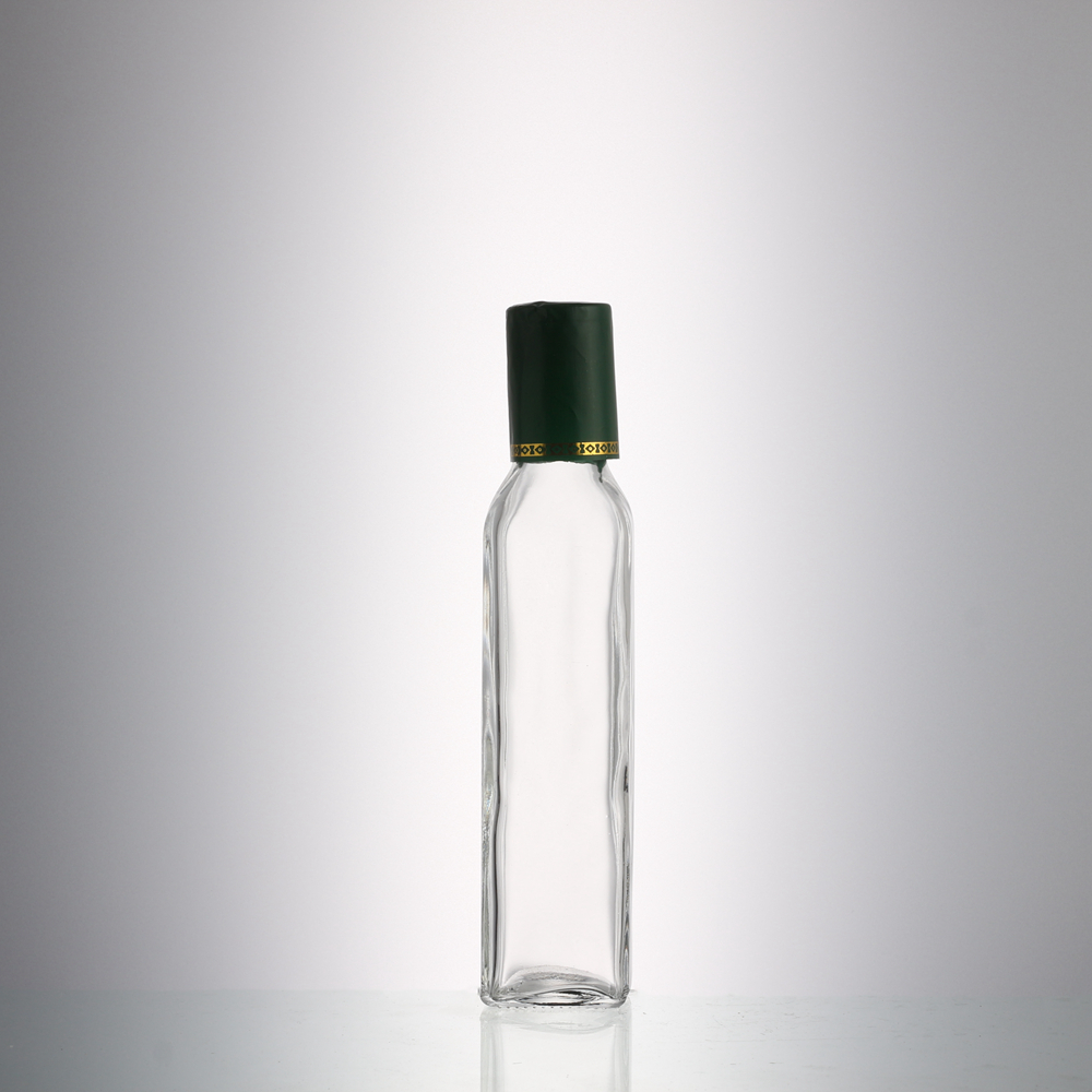 High quality 250 ml empty clear fancy glass cooking olive oil bottle with screw