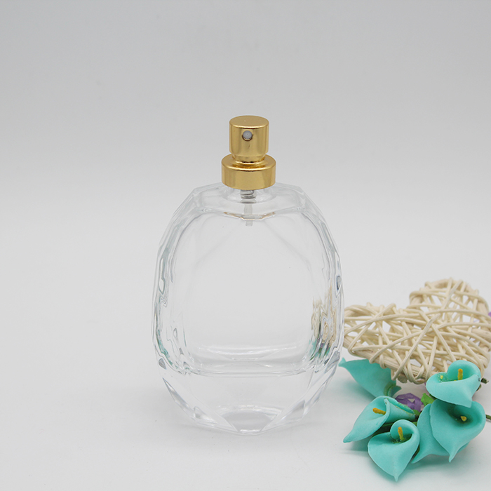 2019 New Design Prismatic Square Shape 100ml Glass Perfume Bottle For With Sprayer