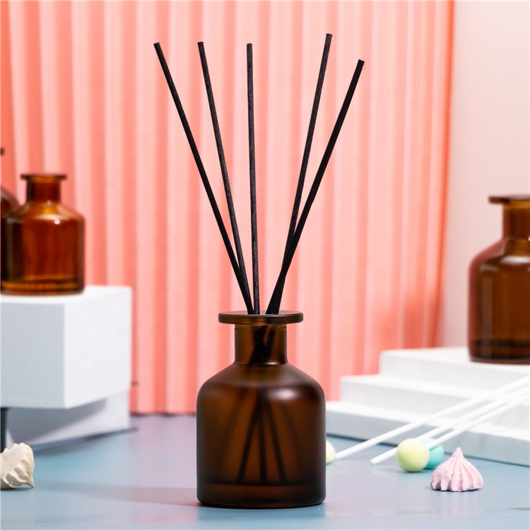 Custom Diffuser Refillable Perfume Atomiser Aroma Reed Diffuser Bottle 130ml With Diffuser Sticks